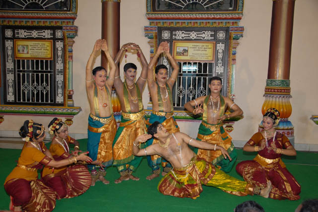 Beautiful dance rendition by the Siva Foundation